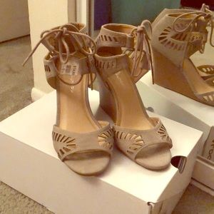 Chinese laundry wedges size 8.5 brand new